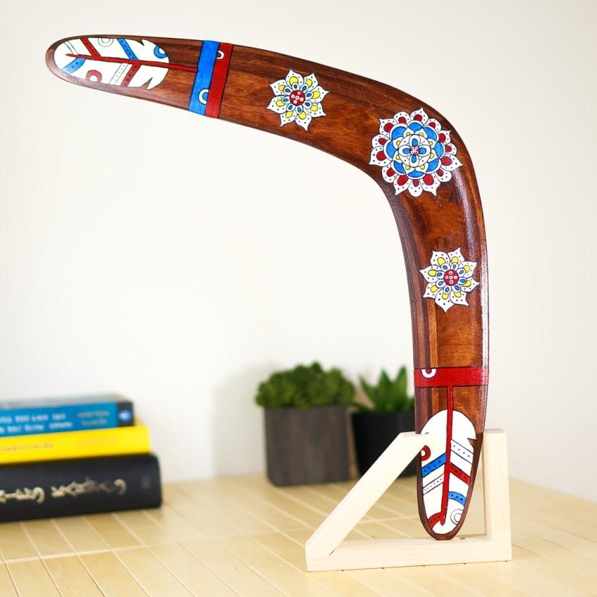 Left handed boomerang